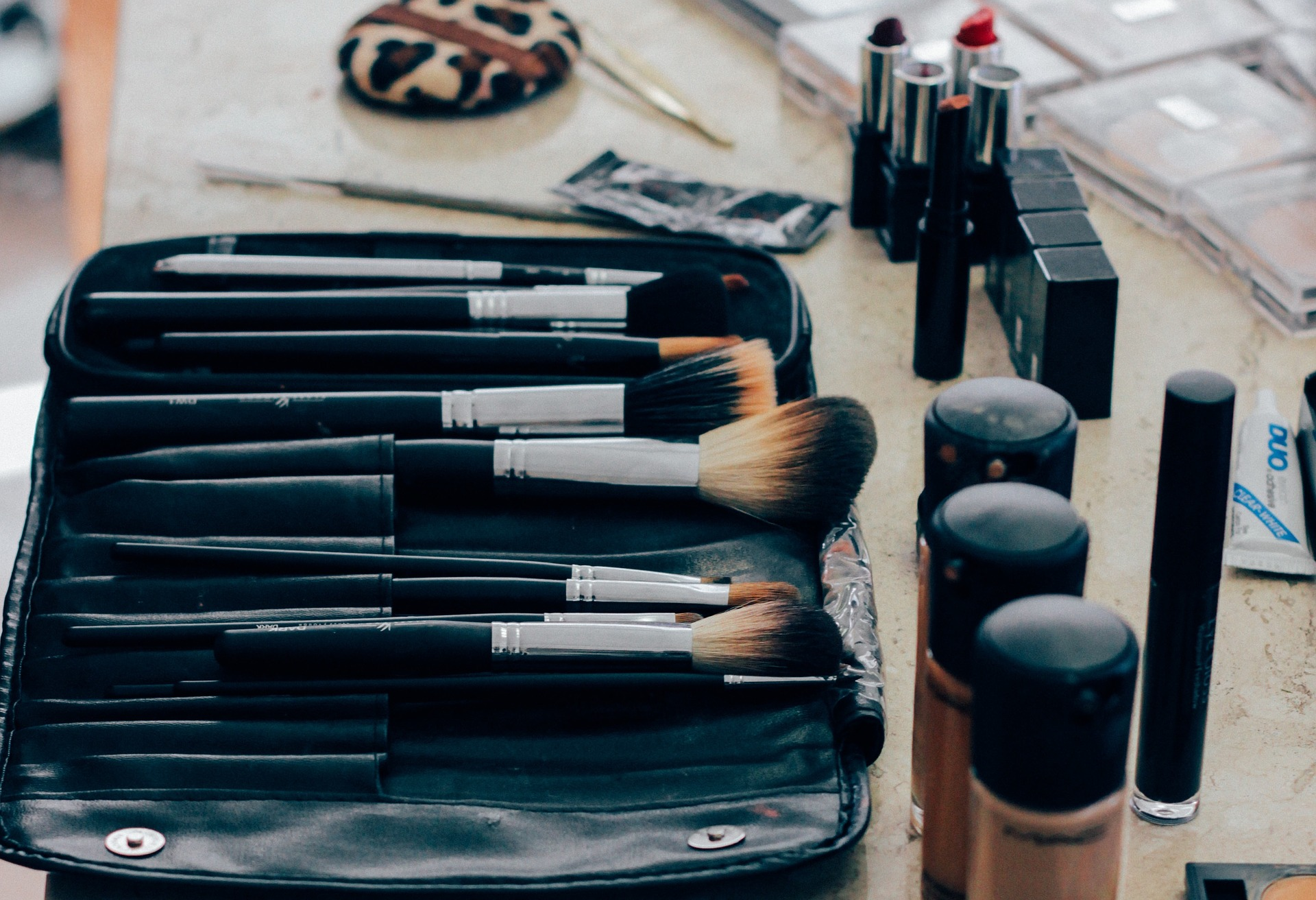 Best Makeup Brushes and Tools to Invest
