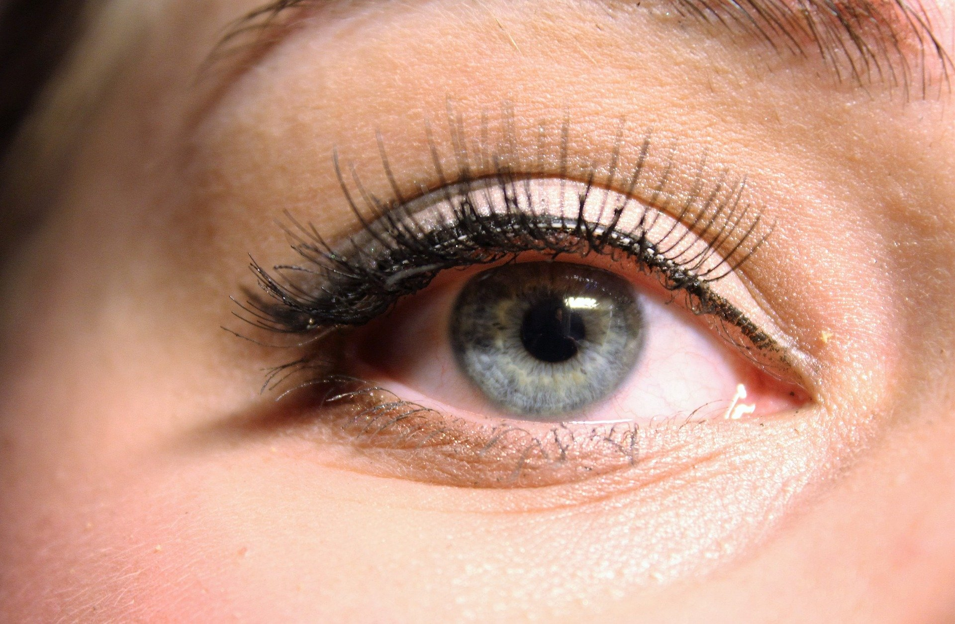 Eye Lashes Extensions Pros and Cons