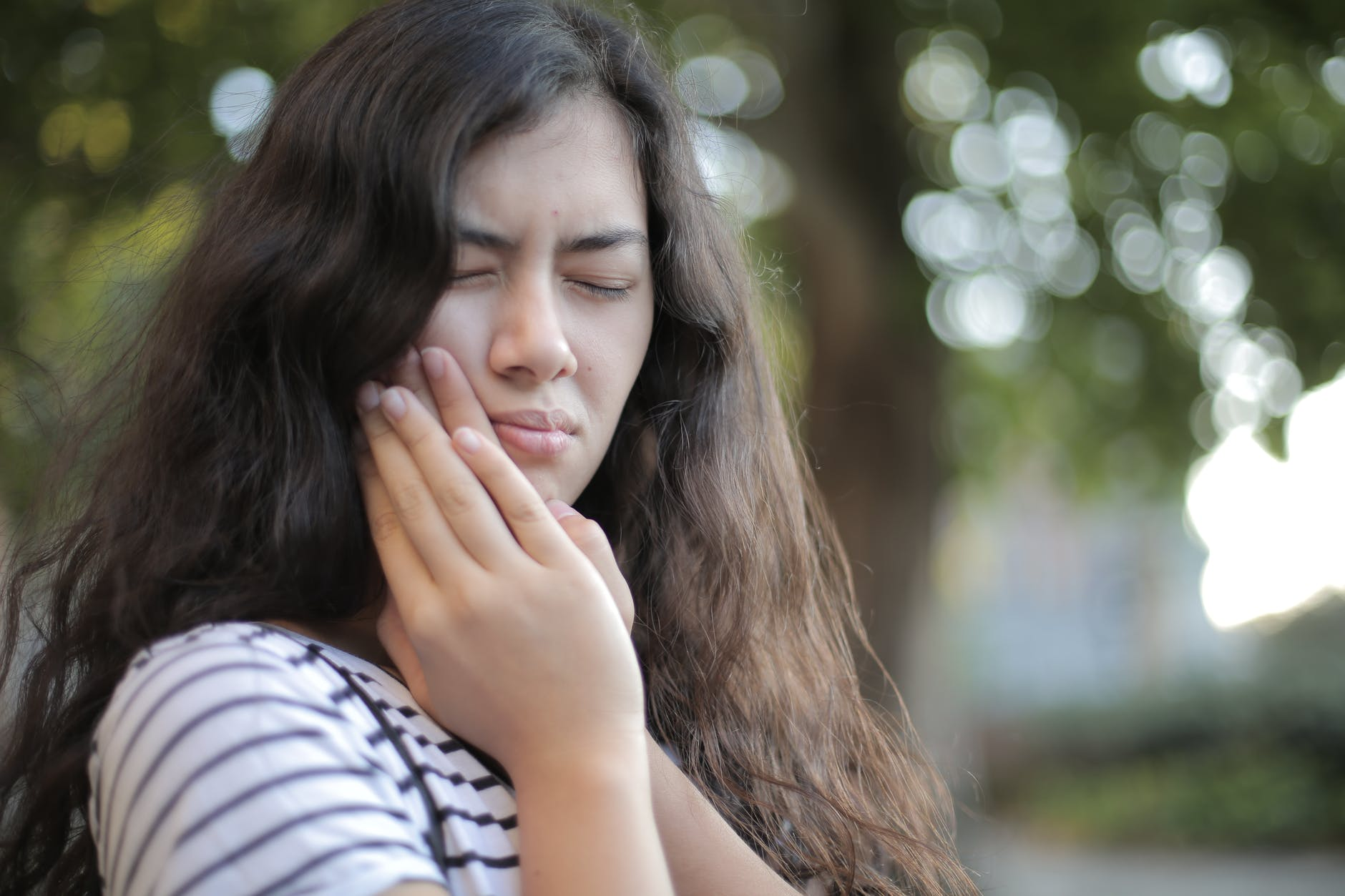 How do you Stop a Toothache at Home