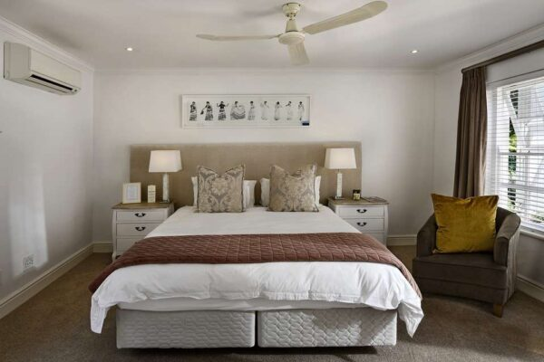 8 Storage and Decoration Tips for Small Bedrooms
