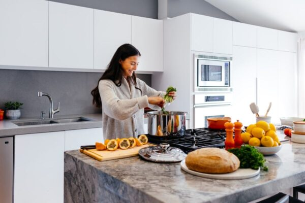 What Is The Best Diet For a Women Over 40?