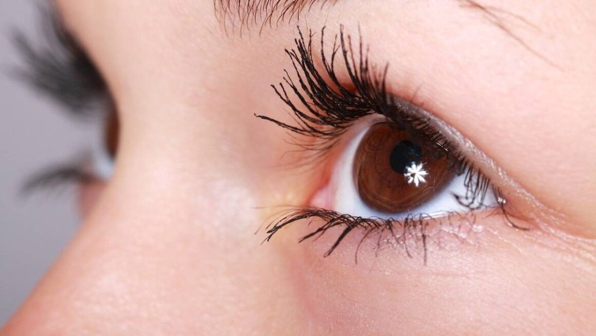 Why Choose Lashes With Decals